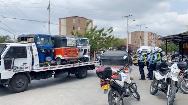 Tránsito de Soledad inmoviliza 37 vehículos por violar toque de queda y ley seca