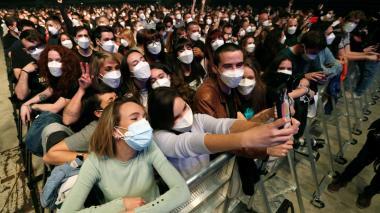 """Concierto masivo en Barcelona """"no fue un evento de supertransmisión"""": estudio"""