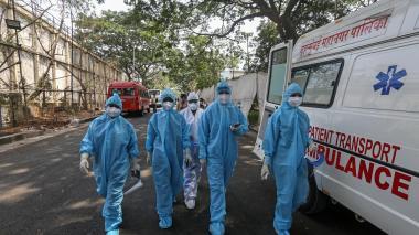 Variante india de covid podría ser más contagiosa y resistente a vacunas