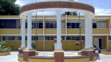 Cierran alcaldía de Fonseca por casos de covid-19