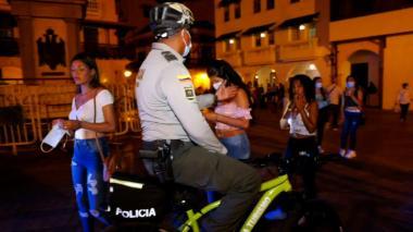 3.077 sancionados en 4 meses por no usar tapabocas en Cartagena