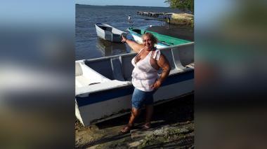 Una pescadora que escribe su historia en la desembocadura del río Magdalena