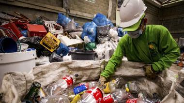 Prohíben plásticos en entidades distritales