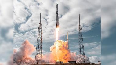 SpaceX lanza al espacio otro grupo de 60 satélites Starlink