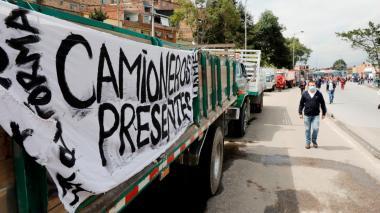 Gremios urgen salidas frente a los bloqueos en vías nacionales