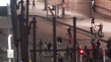 Se registran saqueos en inmediaciones a la plaza de la paz
