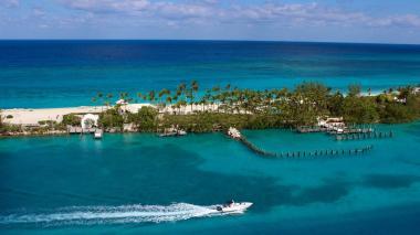 Familia está buscando pareja para cuidar su isla en Bahamas por 120.000 dólares