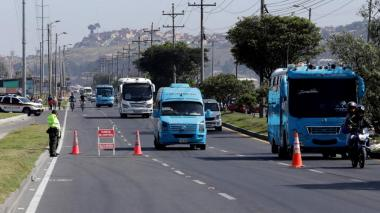 Prorrogan pólizas para vehículos de servicio público afectados