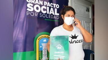 Renuevan entrega de títulos de propiedad de casas en Soledad