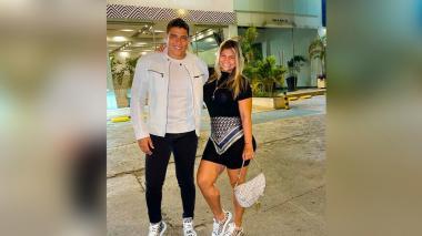 Polémica por vacunación contra la covid del cantante Rafa Pérez y su esposa