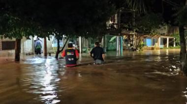En Santa Marta se desbordó río Guachaca