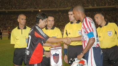 Roberto Peñaloza marcó a Marcelo Gallardo en un Junior vs. River