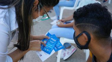 Entregan chips de internet gratuito a más de 19 mil estudiantes de Uniatlántico