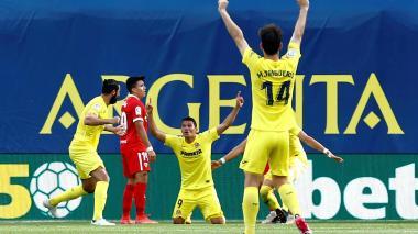 Carlos Bacca dedica su tripleta a Colombia y a sus familiares positivos por covid
