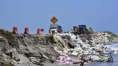 Invías realiza trabajos en el km 20 para superar emergencia en la vía Ciénaga-Barranquilla