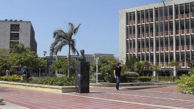 ¿Por qué los estudiantes de UA están en paro?