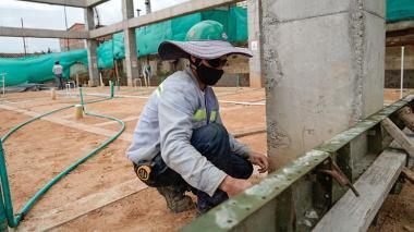 Suspenden obras de mejoramiento de 179 colegios oficiales por bloqueos