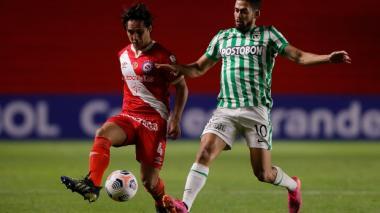 Nacional complica su clasificación al caer 1-0 ante Argentinos Juniors