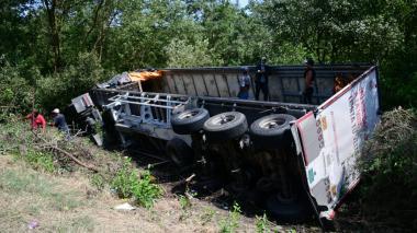 Se volcó camión de cerveza en la vía Ciénaga - Barranquilla