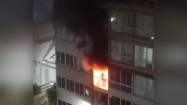 Menor apuñaló a su mamá y luego le prendió fuego a su apartamento