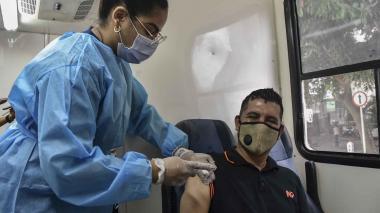 Barranquilleros acudieron a los puntos de vacunación