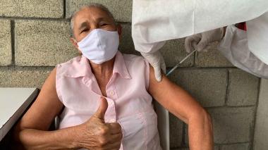 Avanza plan de vacunación masiva en Montería