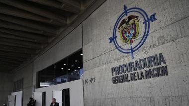 Procuraduría indaga caso de avioneta de esposo de Alejandra Azcárate