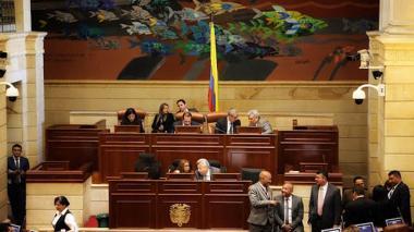 Senado aprueba en primer debate regulación de la licencia parental compartida