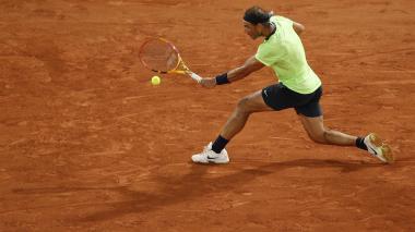 Los tenistas Djokovic, Nadal y Federer progresan, Barty y Pliskova tropiezan
