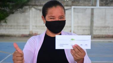 Gobernación entregó bonos solidarios a 9.200 hogares del Atlántico