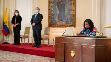 Presidente posesiona a Angélica Mayolo como nueva ministra de Cultura