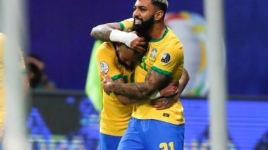 Neymar y Gabigol lideran ataque en entrenamiento antes del partido con Perú