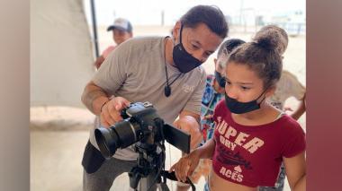 """Jóvenes migrantes son autores del documental """"Trocha, tierra de nadie"""""""