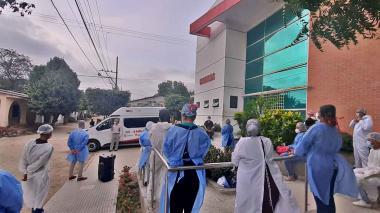 Los contratos firmados por  el falso médico en Polonuevo