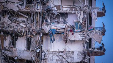 Se derrumba un edificio de apartamentos en Miami