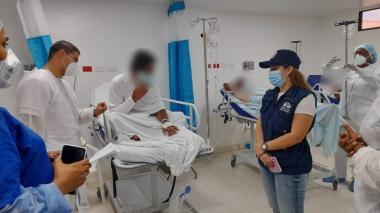 Extranjeros rescatados en alta mar reciben apoyo de la Defensoría del Pueblo