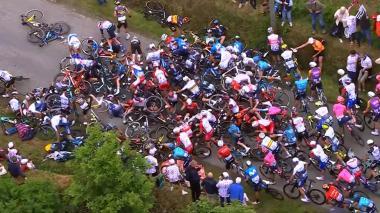 'Supermán' López se cae y pierde casi 2 minutos en la primera etapa del Tour