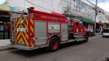 Hombres en moto atracan a bomberos en Malambo
