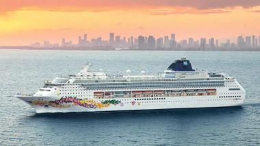 Sin turistas, arriba crucero a Cartagena para trabajos de mantenimiento