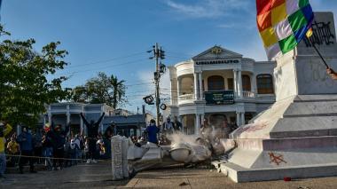 alcalde de Barranquilla Jaime Pumarejo se pronuncia sobre el derribamiento de estatua de Cristóbal Colón