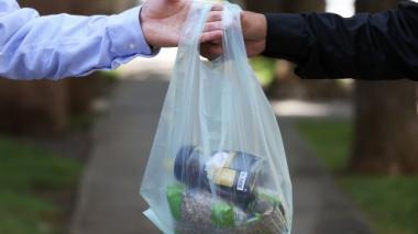 Colombia redujo la compra de bolsas plásticas