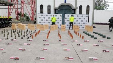 Incautan gran cantidad de cigarrillos y whisky de contrabando en Sucre