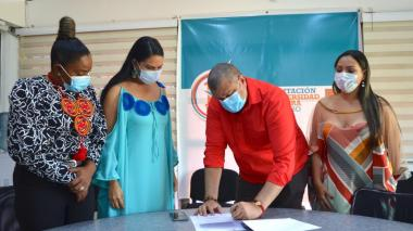 Estudiantes de la Normal Indígena de Uribia podrán formarse en Uniguajira