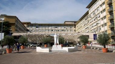 El papa dirigirá el Ángelus desde el hospital donde se recupera de operación