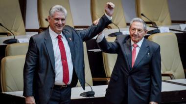 """Presidente de Cuba insta a partidiarios salir a """"combatir"""" a las calles"""