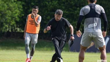 Juan Carlos Osorio debuta como técnico de América ante Paranaense