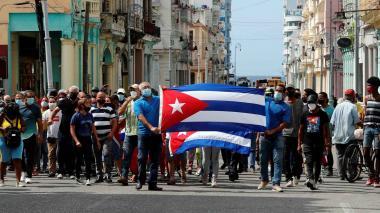 Cuba amanece en calma y sin internet móvil tras jornada de protestas masivas