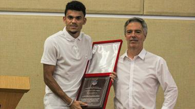 Junior homenajea al guajiro Luis Díaz