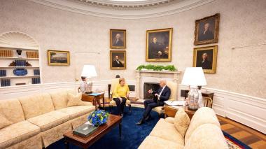 Biden evalúa si EE. UU. puede restaurar el acceso a internet en Cuba