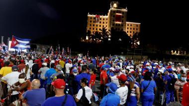 Miles de cubanos acudieron a acto pro-Revolución en presencia de Raúl Castro